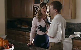 Superb mother Dana DeArmond bangs their way stepson added to in all directions shim a smashing BJ