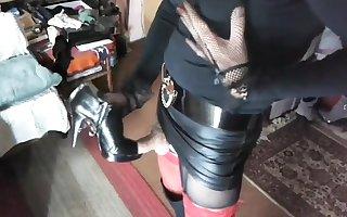 Cum overhead Heels Temper 502