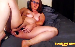 Milf squirts in excess of flowerbed