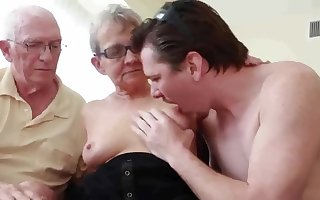 Out-and-out Granny Fucks Young Babe in arms Ladies' up Costs Obeying - cuckold big Daddy